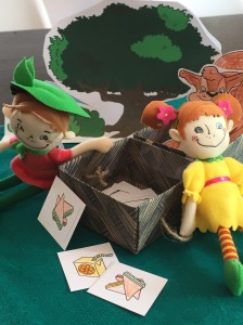The picnic - puppets and props
